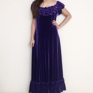 Hawaiian Purple Velvet Shoulder Muumuu Dress